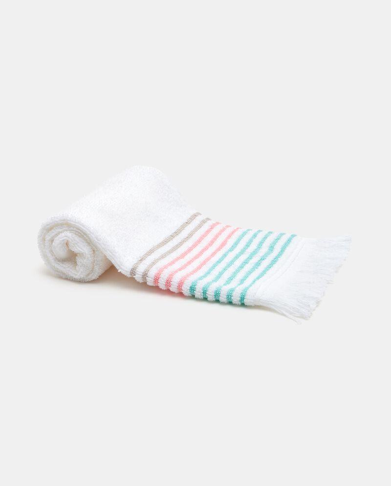 Asciugamano in fantasia a righe nel bordo