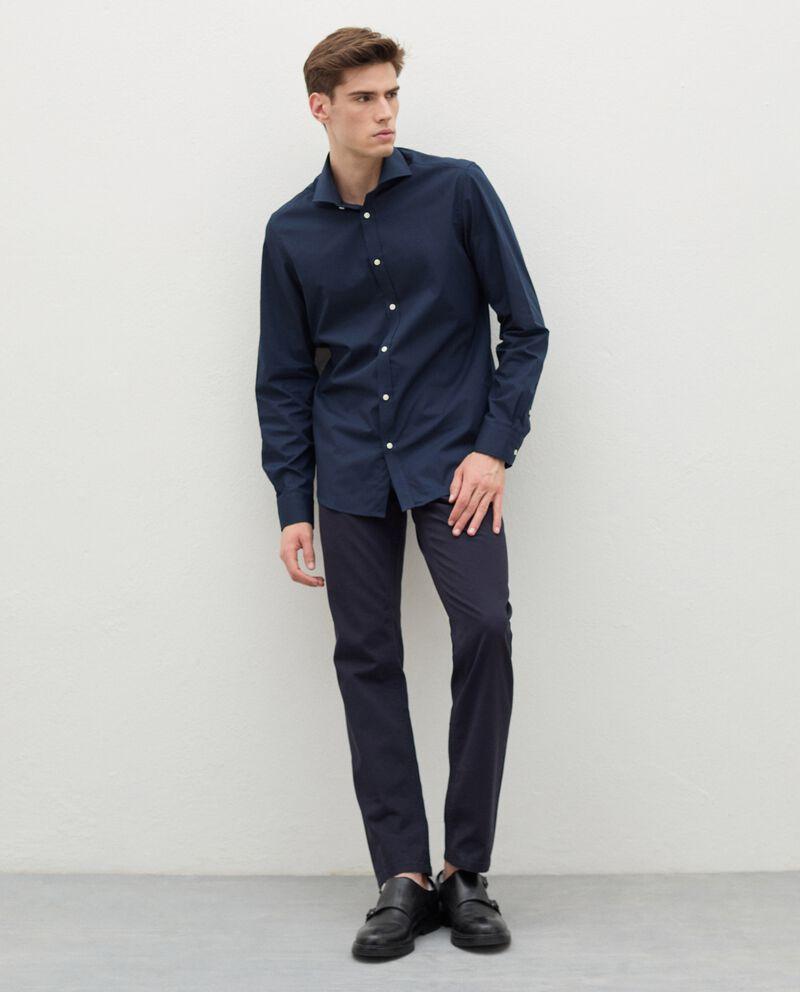 Pantaloni chino in puro cotone uomo cover