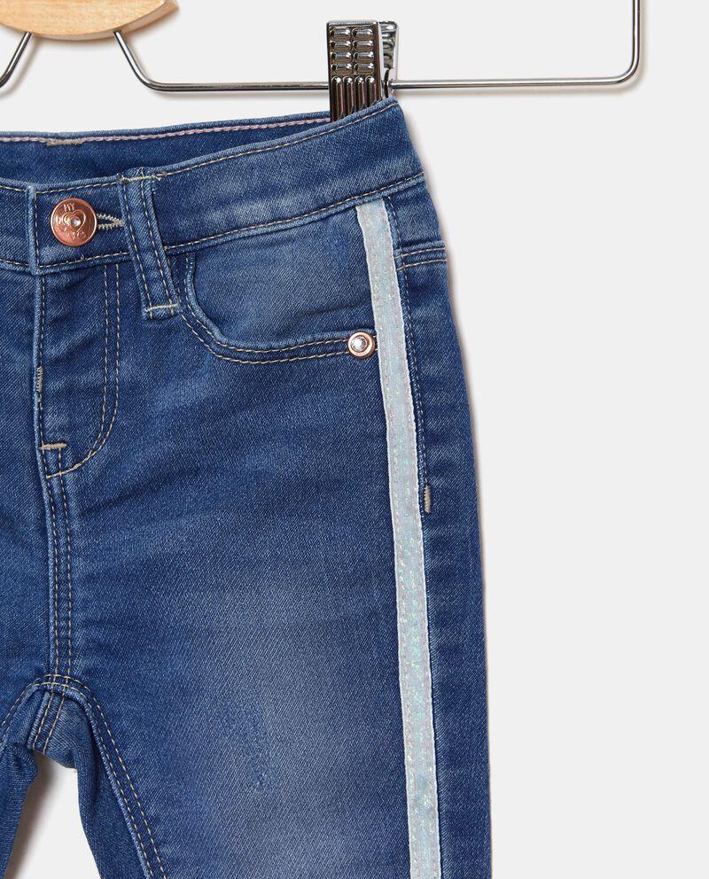 Jeans bande a contrasto neonata